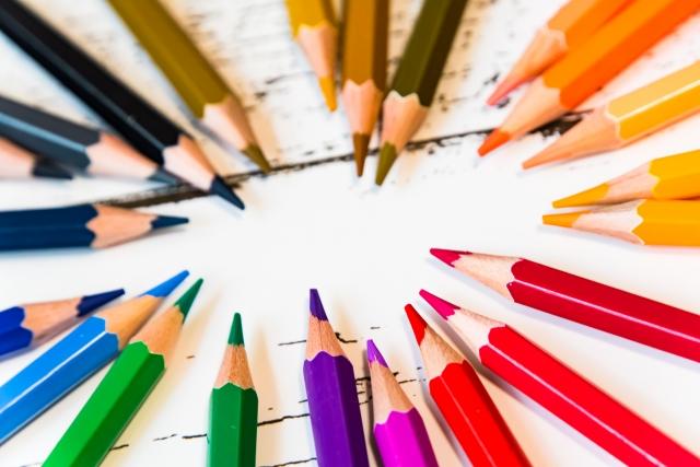 【名刺に使う3つの色】基本色のイメージとおすすめの職種【徹底解説】