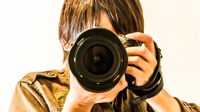 カメラマンの名刺には作品写真を載せる?おしゃれ名刺でセンスを魅せよう