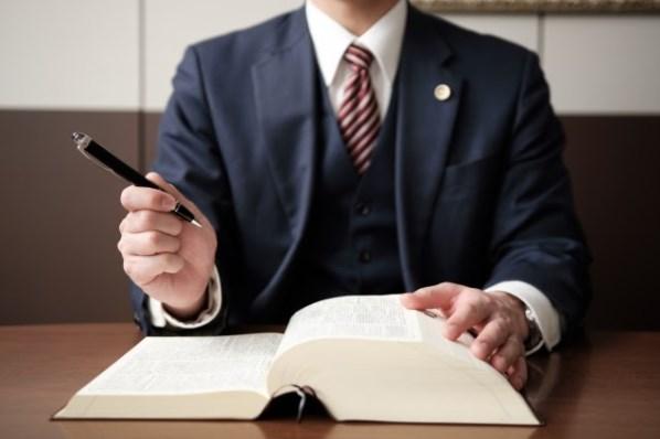 名刺に資格を載せる際の基準はあるのか?注意点とレイアウトのコツを紹介